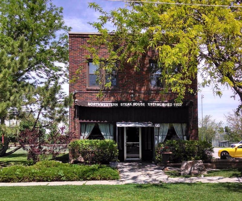 DINING-FINE-DINING-Northwestern-Steakhouse2