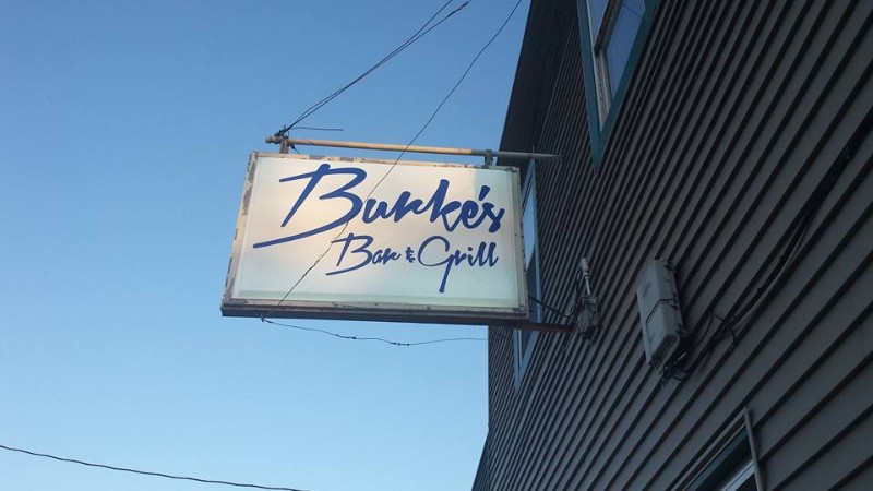 DINING-BAR-Burkes-South