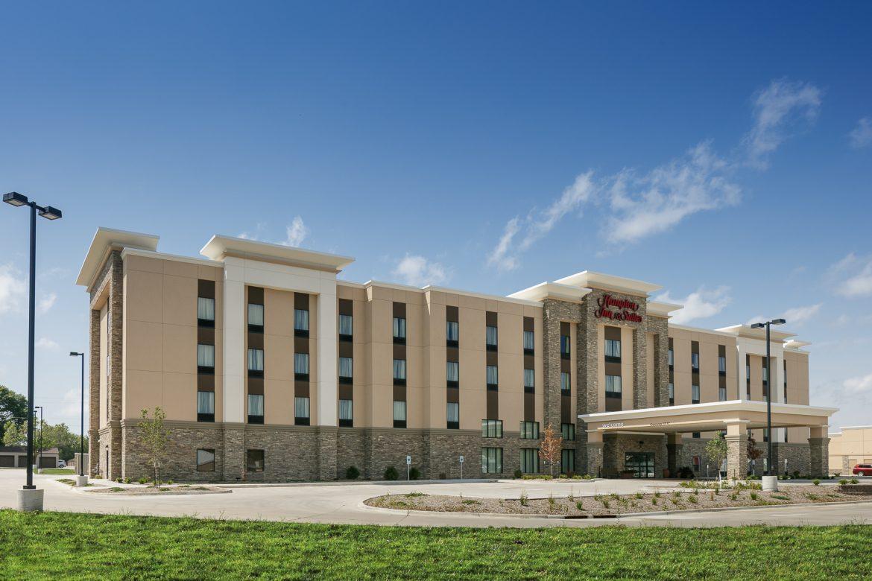 hampton-inn-and-suites-mason-city