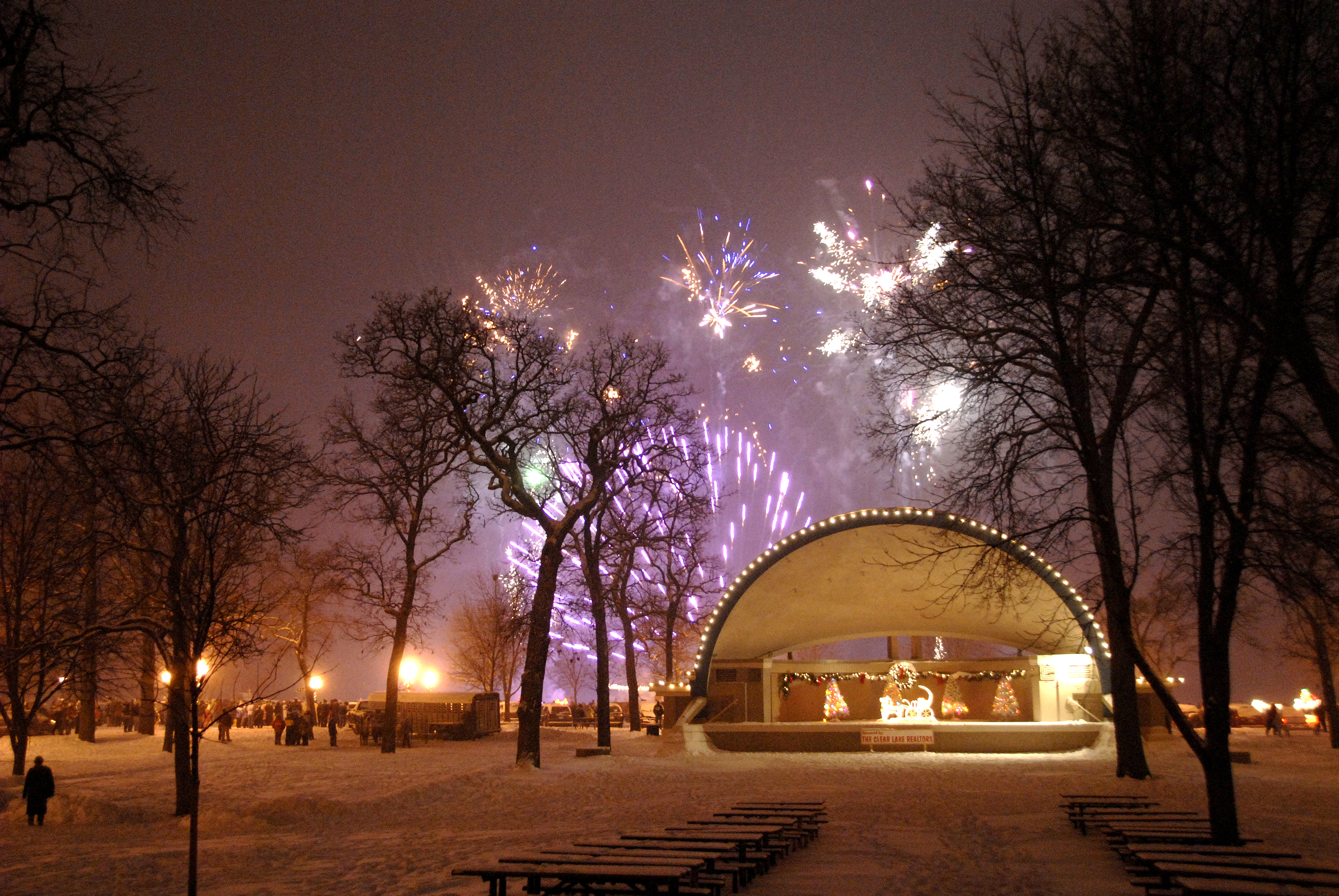 Christmas By The Lake Event Clear Lake, Iowa, 2020 Christmas in Mason City Events & Holiday Fun   Visit Mason City