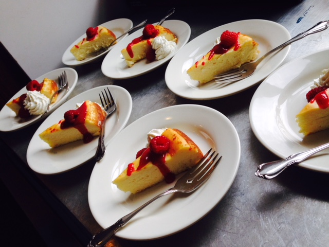 250_2018_DeckerHouse_Dessert01