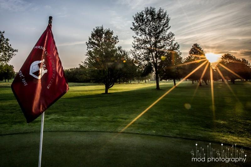 72_2005_MasonCityCountryClub_Golfing03