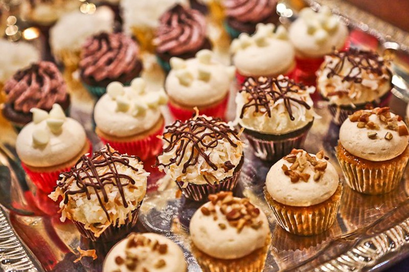 72_2016_Market124_Cupcakes01