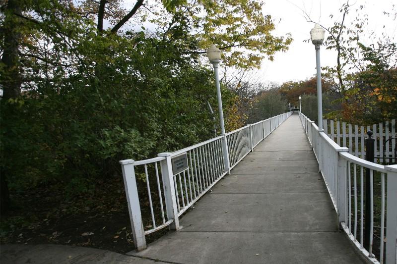 72_2011_Footbridge_bridge01