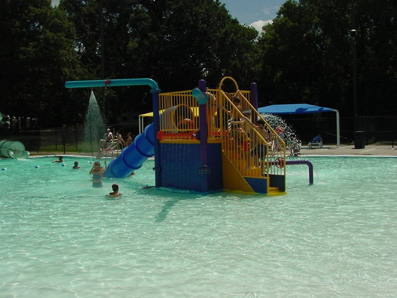 72new-aquatic-center-toddler-slide-from-park-and-rec