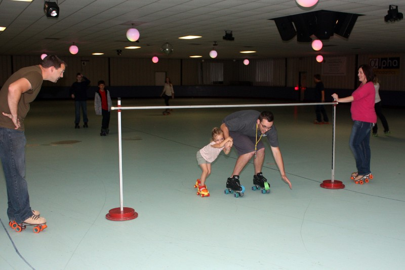 72_2013_RollerCity_Skating03