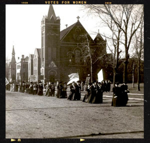 womens-suffrage-parade