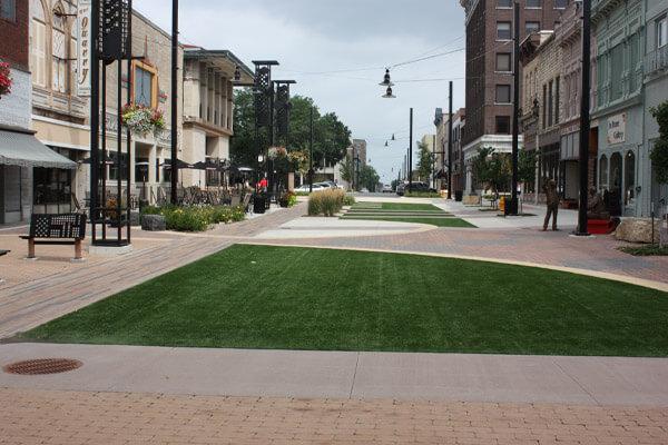 Downtown_plaza_600x400